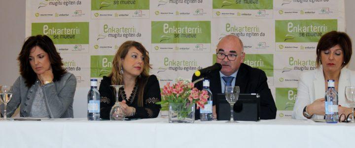 Andoni García, CEO del Grupo Laenk, preside una nueva edición de los Desayunos Enkarterri junto con la Consejera del Gobierno Vasco de Empleo y Políticas Sociales, Beatriz Artolazabal